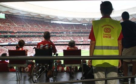 Fundación ONCE analiza las necesidades de las personas con discapacidad en los campos de fútbol españoles